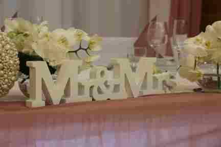 HKT0142 Brautpaar Tisch JPG