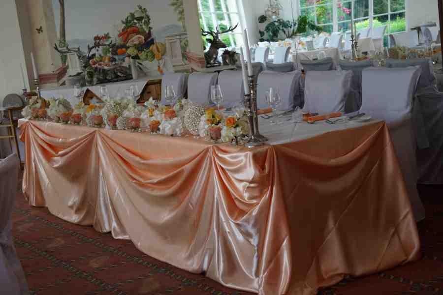 HKT0154 Brautpaar Tisch JPG