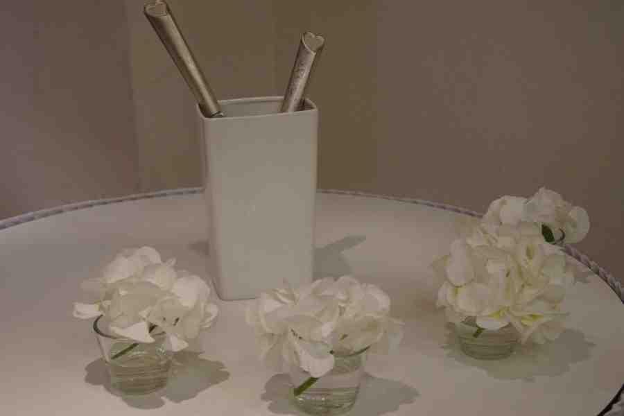 HKT0173 Tisch fr die Hochzeitstorte JPG