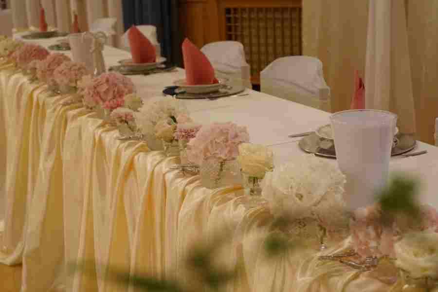 HKT0202 Brautpaar Tisch JPG